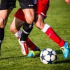 Enkels voor sporten intapen met sporttape of kinesiotape?